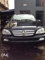 Tokunbo Mercedes Benz ML350 leather interior with 3 row sit