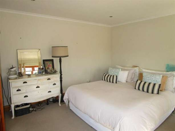 3 bedroom house in Newton Park Newton Park - image 7
