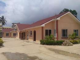3 bed Bamburi bungalows to let