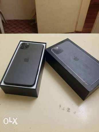 iPhone 11 Pro Max 512gb with box and accessories original