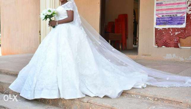 Princess wedding structured gown. Asaba - image 5