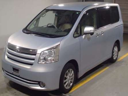 Toyota Noah 2010 Just Arrived Foreign Used For Sale 1,450,000/= Highridge - image 7