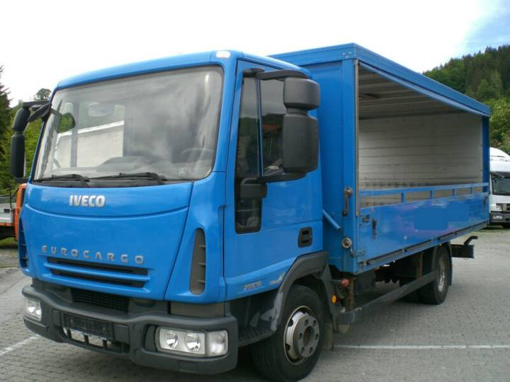 Iveco EUROCARGO 75E16 seitliche Rollplanen Getränke - 2008
