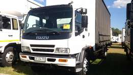 Isuzu FTR800 Tautliner in mint condition