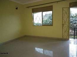 executive two bedroom house for rent in kyaliwajara at 500k