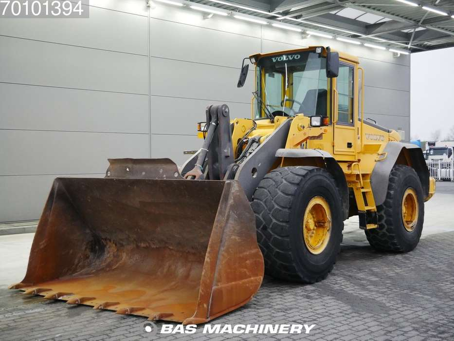 Volvo L110E German machine - bucket with tips - 2004
