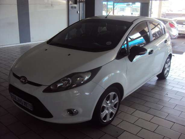 2012 Ford Fiesta 1.4 for sell R105000 Bruma - image 3