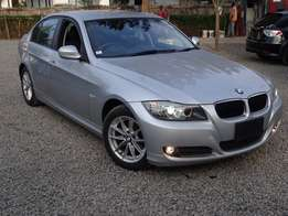 BMW 320i silver colour 2010 model excellent condition