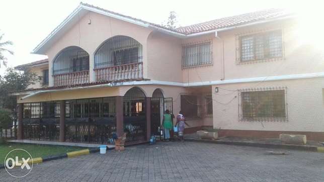 5 bedroom maisonette close to the beach with a pool Nyali - image 2