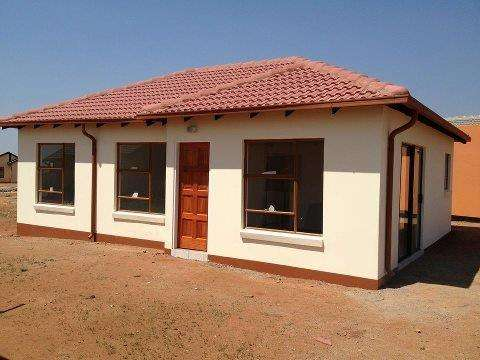Houses for sale in lenasia Soweto - image 6