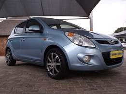 Hyndai i20 1.4 Almost new and low KM, R124,900 only !!!