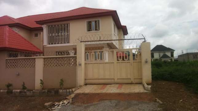 3 Convenient Bedroom Duplex Apartment For Sale., active Wuse II - image 2