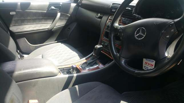 C180 Merc for sale Westlands - image 7