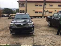 Good as new Toyota land cruiser 2015 model Available for sale