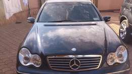 Mercedes-Benz C200, 2002 model w leather seats. Car in great condition