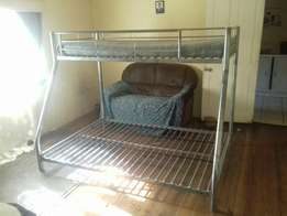 Steel dubble bed with single bed on top