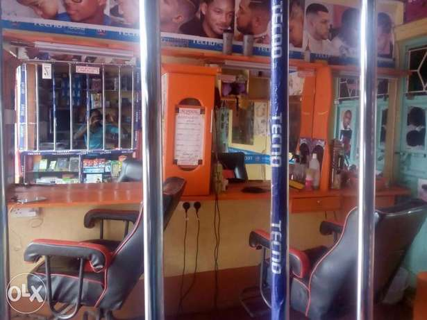 Kinyozi with Phone accesorie shop and mpesa for sale Githurai - image 2