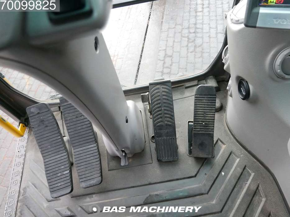 Volvo EW140C New tyres - all functions - 2010 - image 17