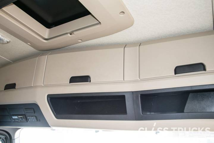 Mercedes-Benz Actros 1848 LS 4x2 BigSpace RETARDER, Side Skirt - 2017 - image 9
