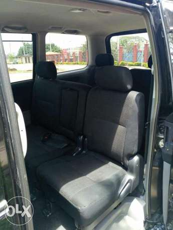 Very Clean Toyota Voxy KBW for sale Gatwikira - image 4