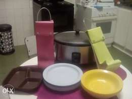 Slow cooker, plastic plates and others