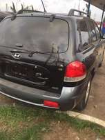 Hyundai Santa V6 4WD tokunbo very neat for sell