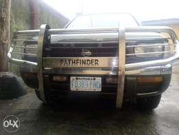 Neatly used Nissan Pathfinder