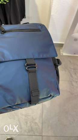 bag with one hand