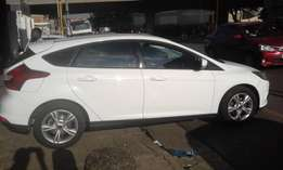 Ford focus 2010 model white in color hatshback 51000km R152000