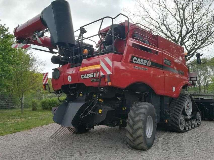 Case IH axial flow 8240 - 2016 - image 4