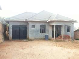 4 bedroom house; 3bathrooms at UGSHS.100m in Nansana-Wamala for sale