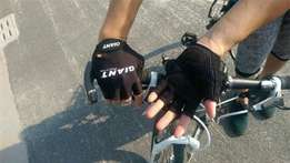 Cycling gloves brand new Giant various sizes