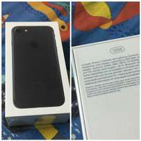 Iphone 7 sealed,fresh in boxed rubber