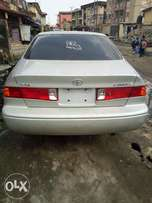 Tokunbo Toyota Camry 2000