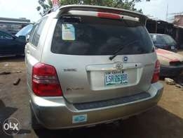 Sharp Registered 2003 Toyota Highlander Limited