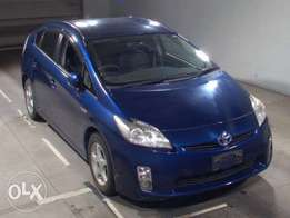 Blue colour Toyota Prius: Fully loaded