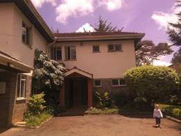 Prime 1acre with 4detached 4br Townhouses, private gate and garden,