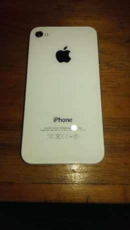 Selling an I - Phone 4S 8GB Ruaka - image 4