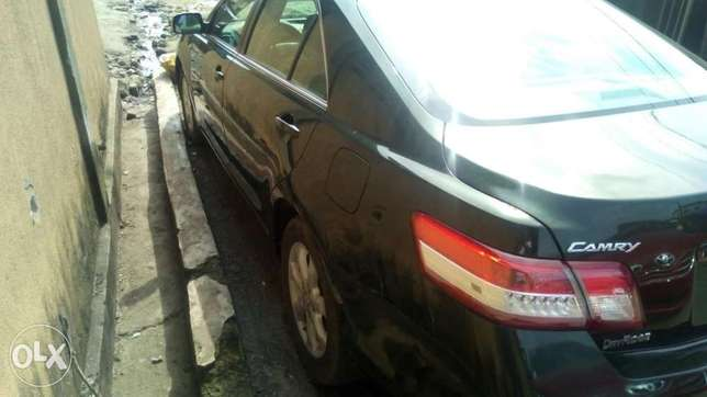 Flawless condition 2010 camry Isolo - image 5