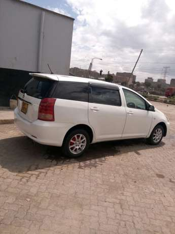 Toyota wish on sale. Super cool and neat car. Totally accident free Donholm - image 2