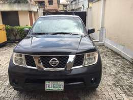 clean used Nissan parthfinder 07 will full option