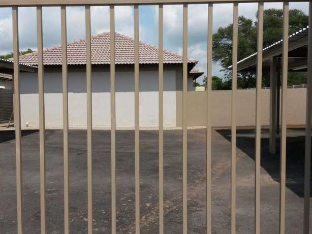 Neat Spacious and Safe - Wolmer Pretoria North - image 8