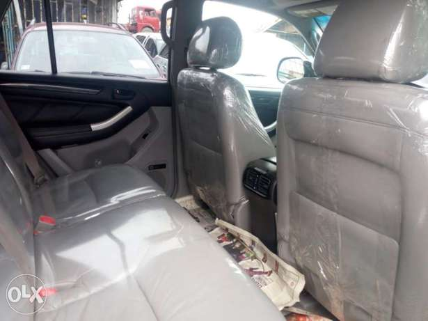 2008 Toyota 4runner black. Limited edition. Direct tokunbo Apapa - image 5