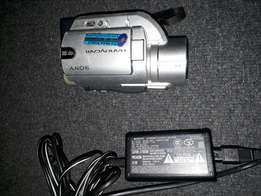Sony camcoder dvd Rw.This product takes mini disc and it's Rw DVD/R/R