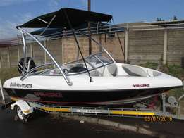 Wakeboard boat with ski top - 2012 Celebrity 17ft M