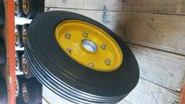 Solid rubber tyres and castors