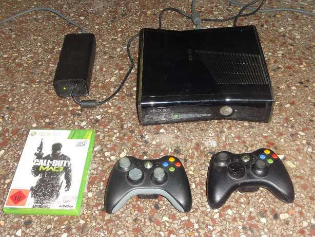 XBOX 360 230 GB Hard Drive 2 x Wireless Controller plus 1 Game Malindi - image 1