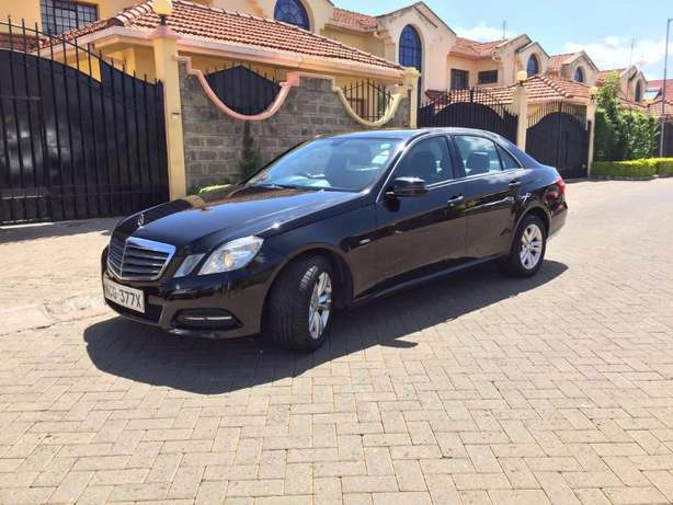 2010 Mercedes E220 CDI Diesel. Reduced price from 3.3M!! Langata - image 3