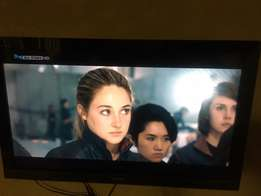 """40"""" Sony Bravia Lcd Tv- Full HD with remote. excellent condition!"""