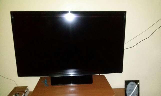 "Samsung LED 32"" TV set Umoja - image 6"